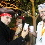 Piratas brindando